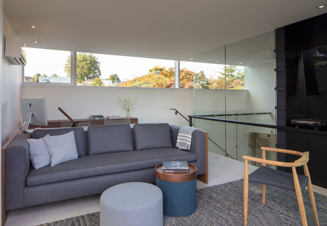 Seattle home project by MINIMAL Glass + Door featuring modern interior glass elements.